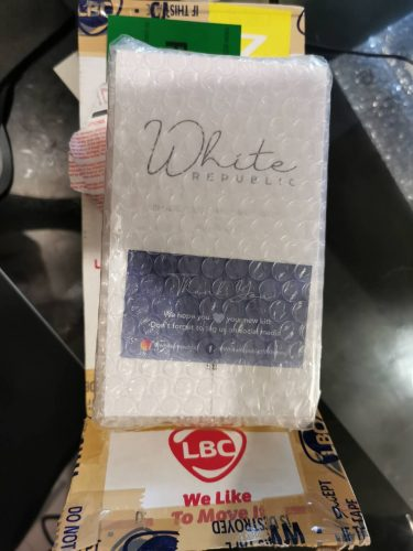 The White Republic Kit photo review